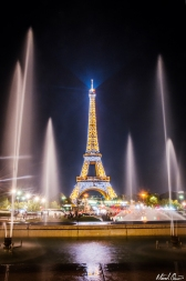 Eiffel Tower Fountain Sparkle