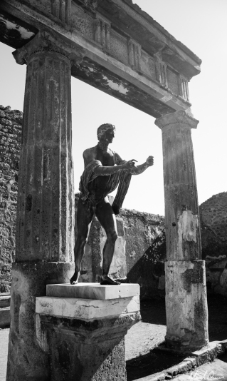 Pompeii Statue